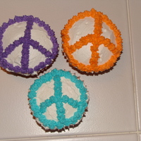 Peace Sign Cupcakes   Buttercream peace sign cupcakes.