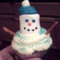 Haley's Snow Man Cupcakes