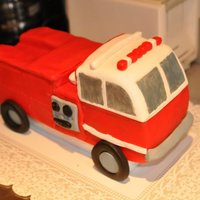 Fire Truck Thanks to CSORRELL71 for the inspiration for this cake.