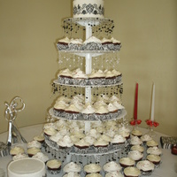 Damask Granduer black and white kupkake wedding