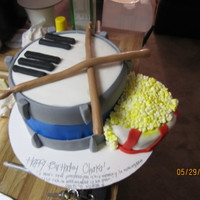 Music & Movies ! The most fun i've had yet! TY to EVERYONE for inspiration.. Fondant covered double fudge with vanilla buttercream on the drum/piano...
