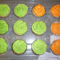 Another 84 Cupcake Order Just my vanilla cupcakes with my buttercream. It was a little easier, I only had 2 colors to do!!! LOL! TFL!
