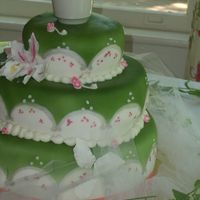 Green And Pink Garden Wedding   A cake for a good friend