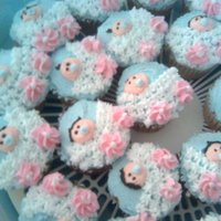 Baby Shower Cupcakes I seen this idea out of the wilton book....I think it turned out OKAY..... :0/