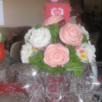 Valentines Cupcake Bouquets :) made these for valentines day....seems so easy but man does it take awhile! :0/