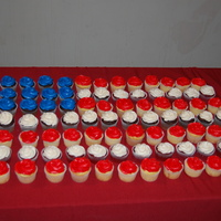 American Flag Cupcakes I made this for an Eagle court of Honor reception.