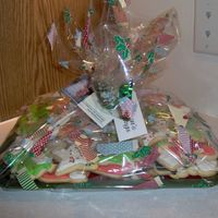 Christmas Cookie Trays These are how I package my cookie trays to go out for Christmas. I go to the after season sales and pick up sturdy trays for under $1. I...