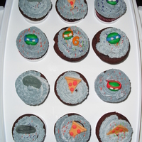Tmnt Cupcakes   FONDANT HEATS N DECORATIONS THEY REST BUTTERCREAM THIS WAS FOR MY SON'S KINDER CLASS