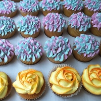 Hydrangea And Rose Cupcakes cupcakes with Hydrangea and rose butter cream icing. Hydrangea decoration inspired by Glorious treats on flickr, how-to's on her blog...