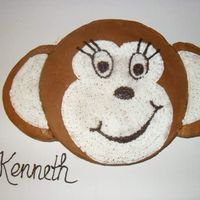 Monkey Cake Got this idea from someone on cc, sorry i forgot where i got it from. This cake was so fun to make, and is the 4th cake i ever decorated....