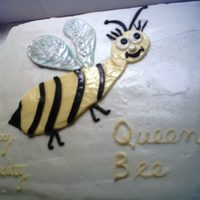 """queen Bee"" White cake with vanilla buttercream frosting, fondant ""bee"""