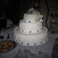 Round Wedding Cake This was my first attempt at Royal Icing flowers.