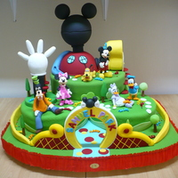 Play House Disney all in gum paste...