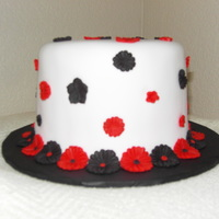 Black Red White For my friend's birthday. Fondant covered and fondant flowers