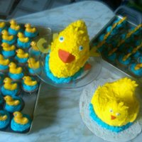 Duckie 1St Birthday I made these for my friend's daughter's 1 b-day. The smash cake is made with a cupcake for the head and a cut piece of extra cake...