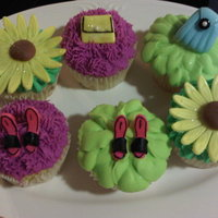 Purses,shoes And Flower Cupcakes   BC with fondant decorations!
