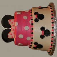 Minnie Mouse Quickie cake; wasc with cream cheese frosting