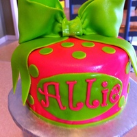 Bows And Dots MMF and buttercream smash cake