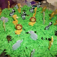 Zoo Animal Cupcakes zoo animals cupcakes for a baby shower