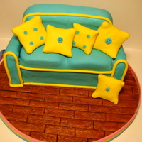 My First Sofa! I used a Madeira cake recipe (I'm not a fan, since those cakes are really really dry, but was perfect for practice, a real one would...