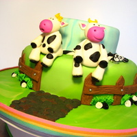 "Two Little Cows Sitting On A Fence I really enjoyed working on this cake, and I have to say I loooove my cows :DThe two cakes are vanilla filled with ""dulce de leche&..."