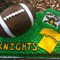 Pee Wee Football Team Cake  This was made for a party for a pee wee football team. The coaches loved it and I was told there wasnt a piece left! Inspired by CC photos...