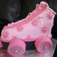3D Roller Skate Pink 3D rollerskate inspired by many here on CC. I didn't have time to make a platform for the cake to sit on so just put black...