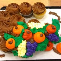 Thanksgiving Cornucopia Cupcakes Cupcakes I did the other night at work. : )