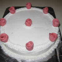 Circle & Roses I made this for a church valentines lunch. I can't remember he name of the roses (if you can help - thank you!). Vanilla cake &...