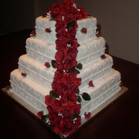 Red And White Wedding My first wedding cake and I am SO pleased with the result! :D White cake with vanilla BC, covered in fondant and all piping done with RI....