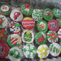 Family Christmas Cupcakes 2   Cream cheese icing on top of carrot cupcakes. Really memorable family times on the holidays.. i just love it !!!