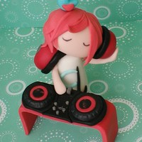 Dj Chlorine Fondant topper made for my sister's DJ debut