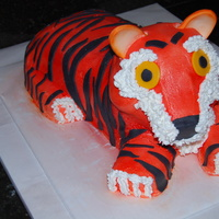 Tiger BC icing with fondant accents