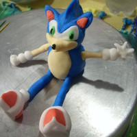Sonic The Hedgehog   Made of fondant for a 5 year old's B-day!