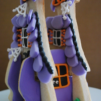 Spook-Tacular Halloween 3D Haunted Cookie House