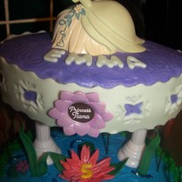 Princess And The Frog   Butter cream icing. Vanilla and Chocolate cake TFL