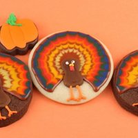 Turkey Cookies Turkey cookies. Got the idea from Pam at cookiecrazie. The feathers are Toba's glacé, the turkey bodies/heads and feet are...