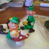 Drinking Leprechauns And Their Pot Of Gold I made these out of modeling chocolate for a cake I will be making this week for my Dad's birthday. I don't have a mold to work...