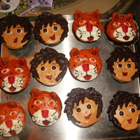 Diego Cupcakes MADE THESE AS A GIFT FOR A LIL3 YR OLD