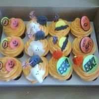 Halloween Cupcakes White Chocolate Cake with Vanilla Buttercream with assorted Fondant Halloween themes