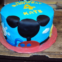 Clubhouse Mickey Mouse  Buttercream with fondant cutouts. Thanks for all of the ideas on CC.com. I had no idea what Clubhouse Mickey was, so thanks to all of the...