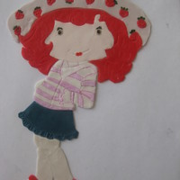 Strawberry Shortcake!! my first attempt at making character out of fondant pieces...took a lot of time...m not yet satisfied....need a lot of practice....:-(