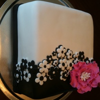 Black And White Flowers With A Bit Of Pink This cake was inspired by others here on CC. Thank you so much for sharing all of your cakes on here. Chocolate cake with cheesecake...