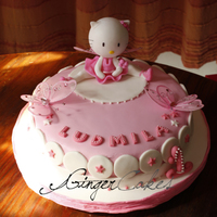 Hello Kitty Cake The client made the kitty and the butterflies for the cake, so i´ve made the rest ;)