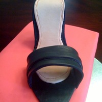 High Heel Shoe And Box My first box and shoe cake. I think I would do the lid differently next time. The shoe is gumpaste.