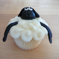 Sheep And Flower Cupcakes