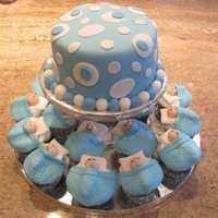 It's A Boy! Did this for a firend to take to a baby shower. cupcakes and cake!