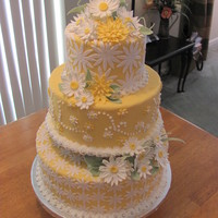 Yellow Daisy Cake
