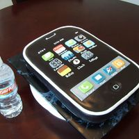 Icake a cake in the shape of the very popular Apple iPhone