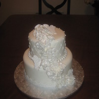 "Pretty In White Dummy cake for Mame""s Gum paste #3 class. it turned out even better tan I imagined!!!"